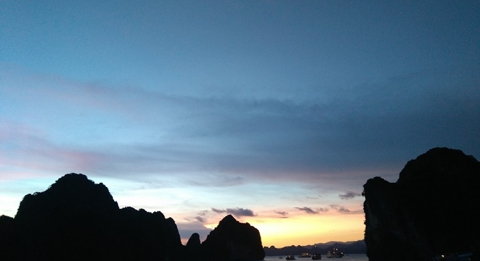 Bai Tu Long Bay_Anocheciendo...
