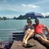 Bai Tu Long Bay_Mary y Quique en la cubierta pasando fresquito...