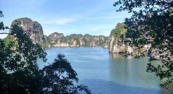 Bai Tu Long Bay_desde las alturas