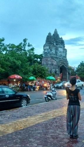 Battambang anocheciendo