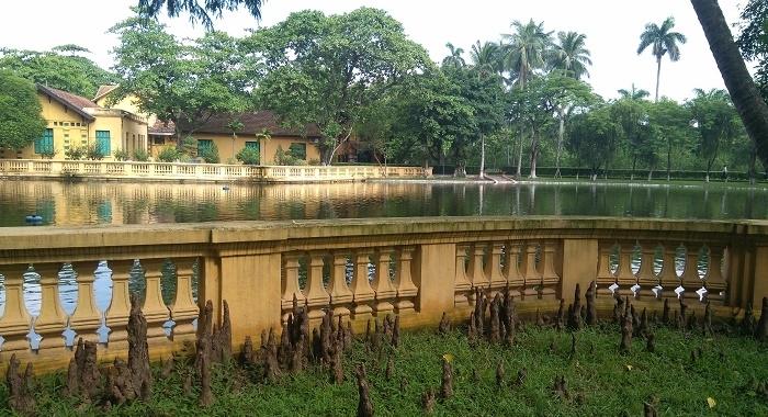 Hanoi_Antigua casa de Hochimin