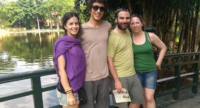 Hanoi_De paseo_3 blancos y un malayo jeje