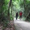 Quique y Mary_paseo hacia cuevas