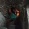 Túneles Cu Chi_adentrándonos en los túneles (solo te dejan unos metros al menos en esta zona humm....)